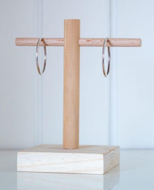 Expositor para pendientes, fabricado de madera
