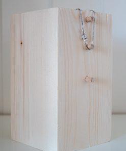 Taco de madera de 16cm para joyería o bisutería
