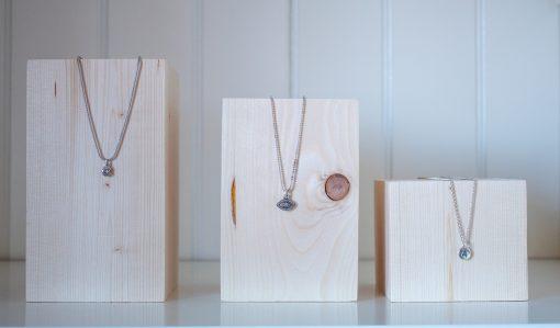 Tacos de madera para joyas