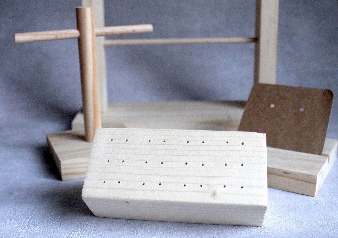 Expositores de pendientes de madera