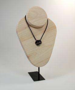 Busto collares (NURU)
