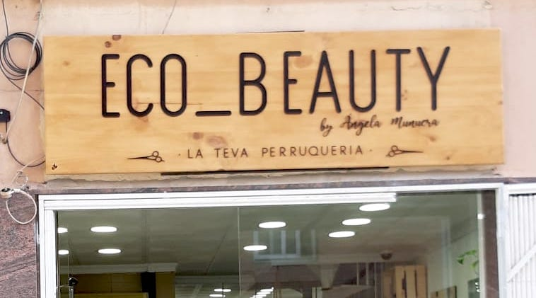 Cartel peluquería de madera